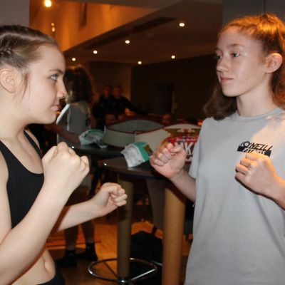 Low-Kick match 3x2 - 58kg - age 16 Grace Goody (Lisburn, NI) Vs Rebecca Blake (WINNER POINTS)(Waterford)