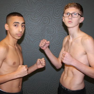 An international teenager K-1 Style match set for 3x2 rounds at at 54kg. Jay Snodden (Dundonald, NI) came in at 53.2 whilst the visitor Antreas Roujogenis (Cyprus) tipped the weight at 53.1. The two 15 year olds looked ready and excited.