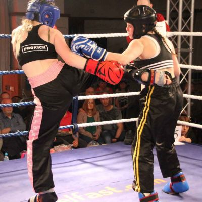 Grace fires another round Kick to Jade Molloy at the Stormont Hotel
