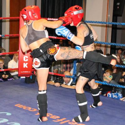 Low-Kick kickboxing action with Rowena Bolt (Belfast, NI) Vs Valentina De Santis (Italy)