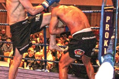 Johnny Swift Smith fire a Knees to  Christos Venizelou (Cyprus) At the Stormont Hotel Saturday 23rd Feb 2019